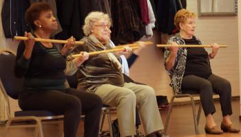 Hoeveel mensen voldoen aan de beweegnorm voor ouderen?