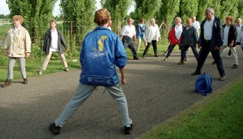 Hoe breng ik als sportbegeleider mensen met een chronische aandoening in beweging?