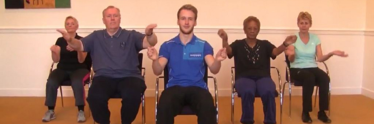 Ongebruikt Filmpjes: Zitgymnastiek oefeningen voor ouderen in een stoel XO-85