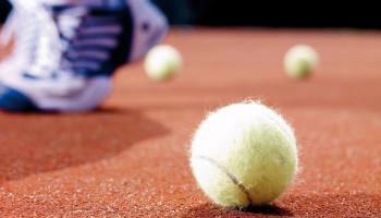 Meer bewegen? Ga tennissen!