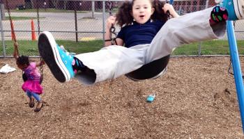 Kinderen sociaal sterker door buiten spelen