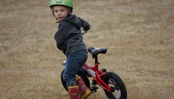 5 tips om je kind te leren fietsen