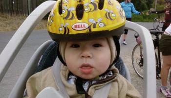 Is fietsen met een fietshelm veiliger?