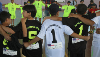 Sportpsycholoog Anoek: 'Zo laat je kinderen elkaar motiveren!'