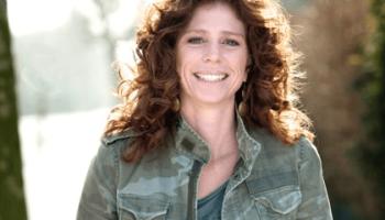 Barbara Barend: 'Meisjesvoetbal heeft haar plaats veroverd'