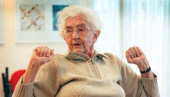 Praktische waaier met dagelijkse beweegoefeningen voor ouderen