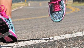 Pijnlijke gewrichten na hardlopen: 5 tips om last te voorkomen