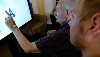 SilverFit Alois laat mensen met dementie bewegen én herinneringen ophalen