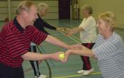 Sociale kwetsbaarheid tegengaan bij ouderen: zeven bewezen aanpakken uit de praktijk