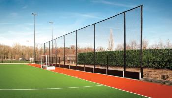 Sportvereniging MHCL bespaart met zonnepanelen en led
