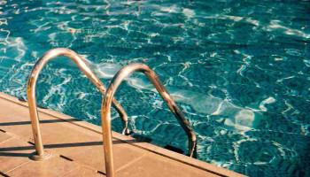 Zwemmen: het slechtste beste idee voor iemand met overgewicht