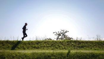 Hoeveel moet je minimaal bewegen om gezonder te worden?