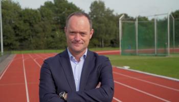 11-tal vragen aan Bert van Oostveen: van KNVB naar Kenniscentrum Sport