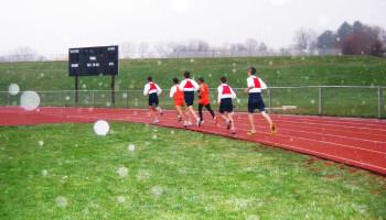 Hardlopen in de regen kost het lichaam meer energie