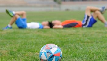 Overzicht van strategieën om voetballers sneller te laten herstellen