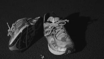 'Neutrale' hardloopschoen verhoogt blessurerisico beginner niet