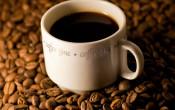 Cafeïne leidt alleen in rust tot vochtverlies