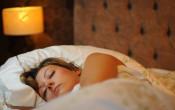 Verstoring van slaap op gesimuleerde hoogte verbetert na 5 dagen