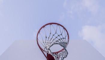 Enkelblessures bij basketballers – voorkom ze met de handige trainersset
