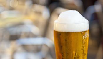 Sporters leven gezonder, behalve als het om alcohol gaat