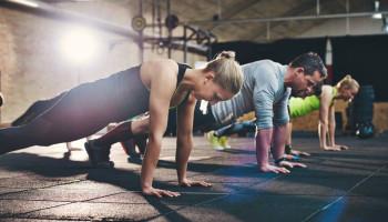 Top 20 fitnesstrends 2020: draagbare technologie, HIIT en groepstraining
