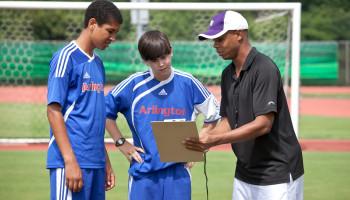 Voorkom uitval van jongeren in de sport door een goede relatie tussen coach en sporter