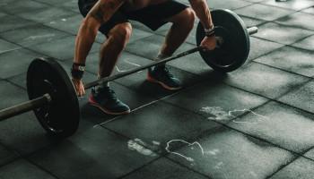 Sporters leveren meer kracht uren na korte krachttraining