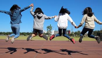 #zijspeeltmee: Hoe maken we sport in de wijk aantrekkelijker voor tienermeiden?