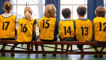 Financiële hulp om kinderen te laten sporten