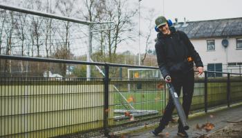 'Voetbalwerkers' leren professionele vaardigheden op het veld