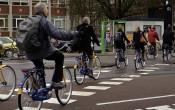 Nederlanders bewegen én zitten meer dan gemiddeld in EU