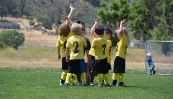 Bij 'Teamplayers' brengen sportstudenten sport & cultuur naar kinderen in armoede